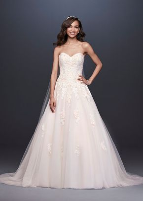 David's Bridal Style V3902, David's Bridal