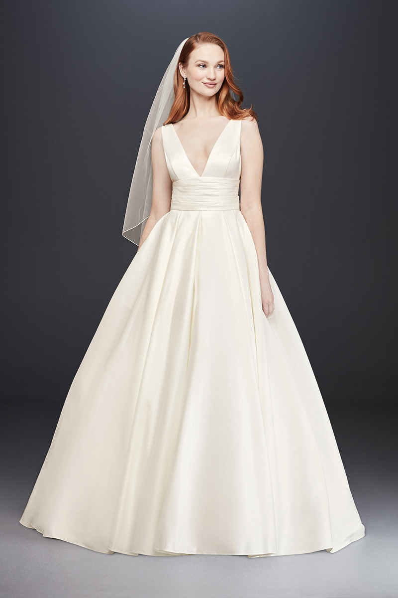 V3848 ball gown wedding dress by david 39 s bridal for David bridal rental wedding dresses