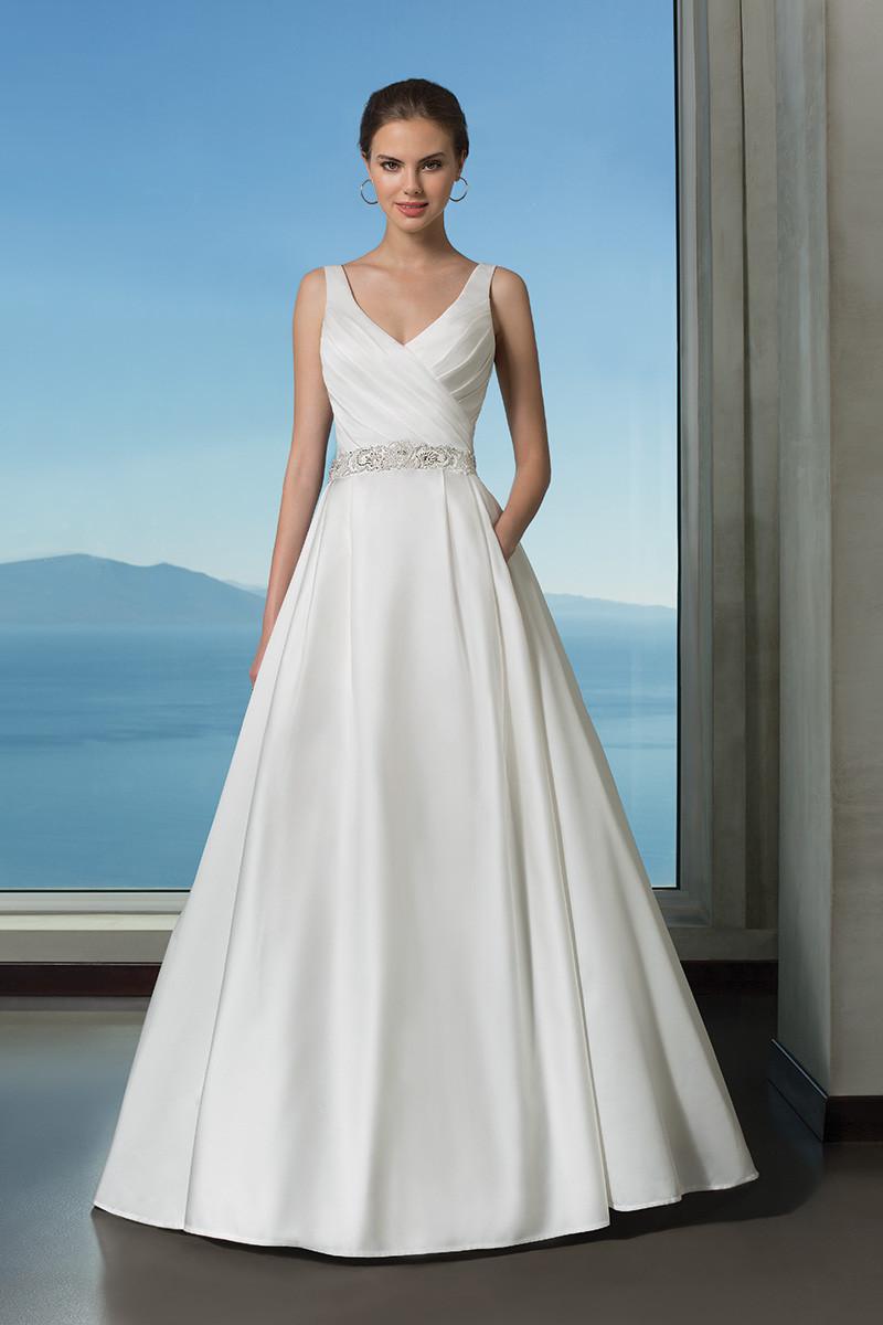85f75d8983d Satin Wedding Dress Photos