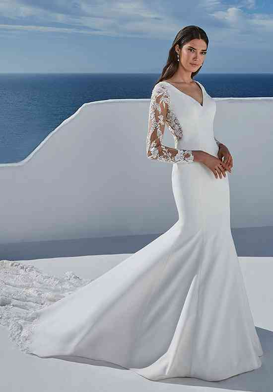 Long Sleeve Wedding Dress Photos Long Sleeve Wedding Dress Pictures Weddingwire Com