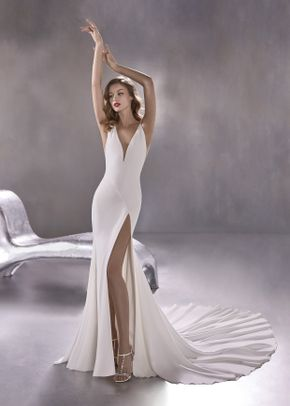 BLUE MOON, Pronovias