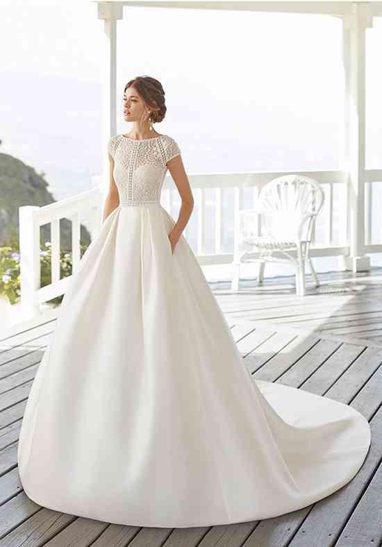 Cap Sleeve Wedding Dress Photos Cap Sleeve Wedding Dress Pictures Weddingwire Com