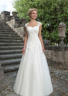 4015, Sincerity Bridal