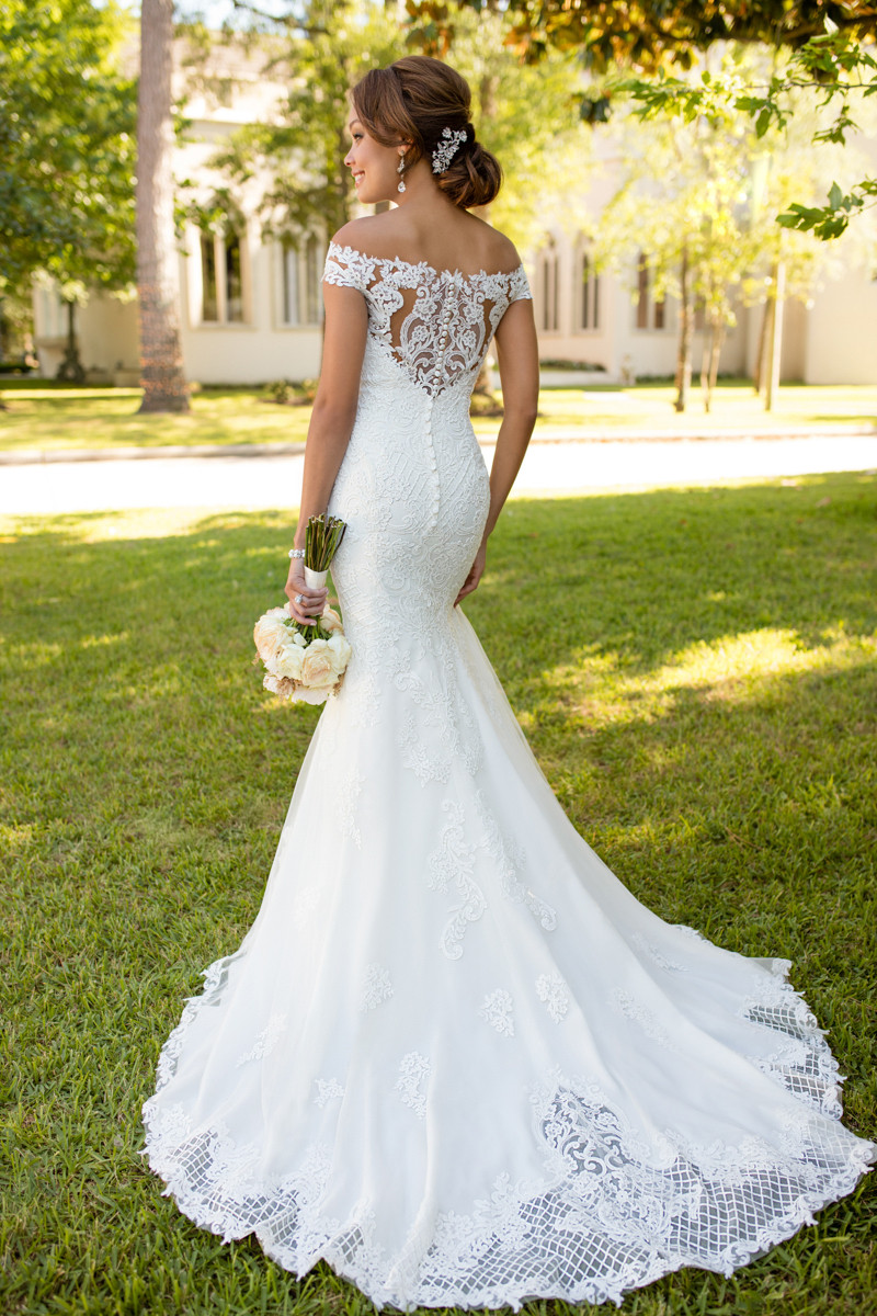Off the shoulder wedding dress photos off the shoulder for Wedding dress rental new york