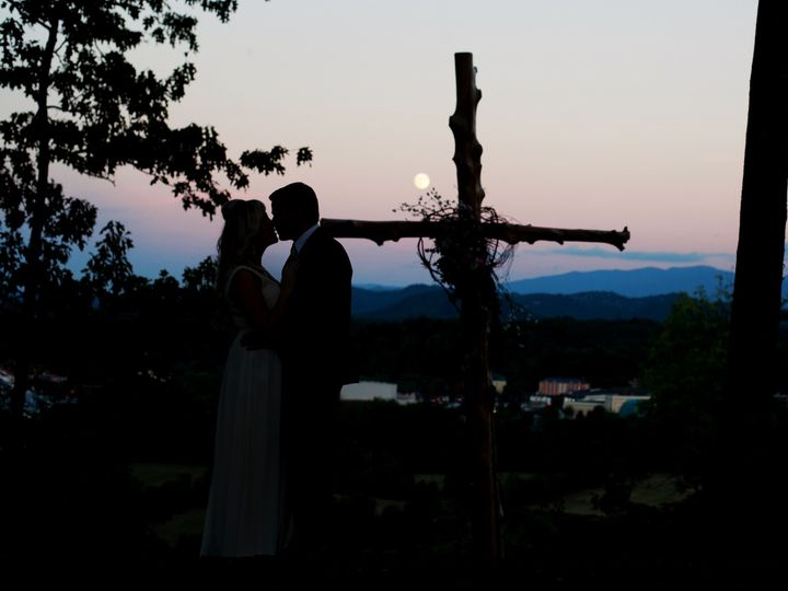Tmx Img 4139 51 364000 158335063732901 Sevierville, TN wedding venue