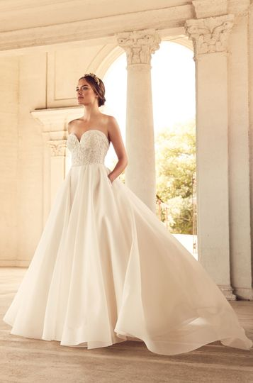 The Dress Lounge Bridal & Prom Boutique - Dress & Attire - Kingston ...