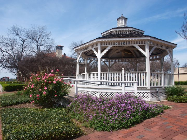 The Garden Gazebo is also available to rent separately or can be added to Grand Lobby reservations.