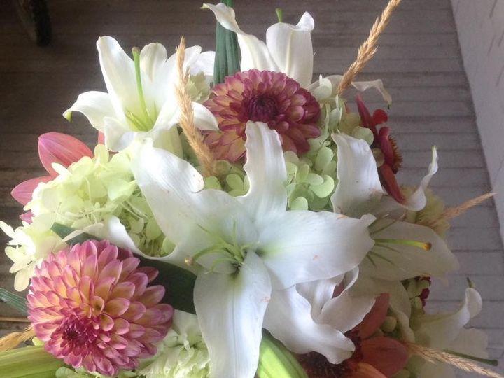 Tmx 1486509041425 Facebook 20170108 031221 McMinnville wedding florist