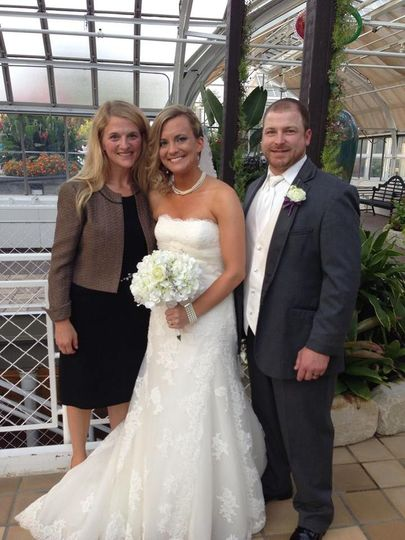 The Franklin Park Conservatory was a beautiful backdrop for Jill and Scott's ceremony.