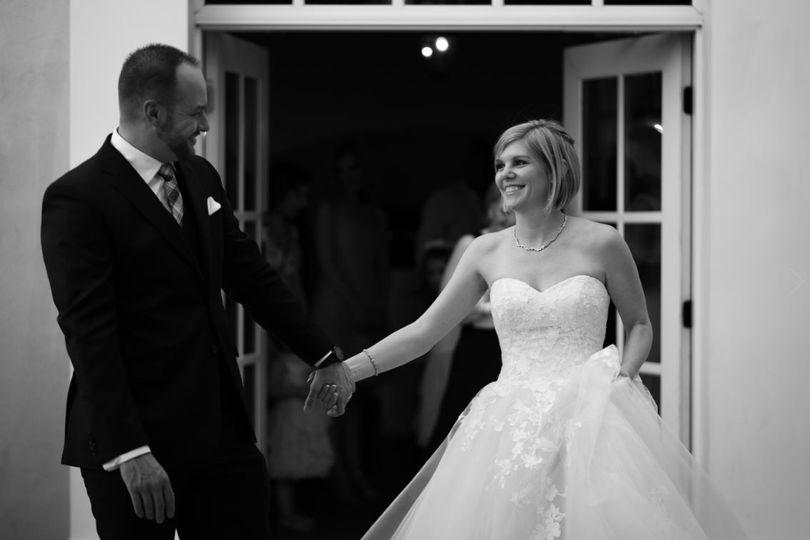 hotel albuquerque black and white wedding bride and groom 51 953100