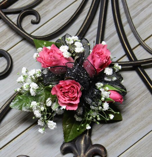 4 rose wrist corsage