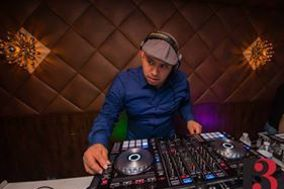 DJ JOHNNY TORRES