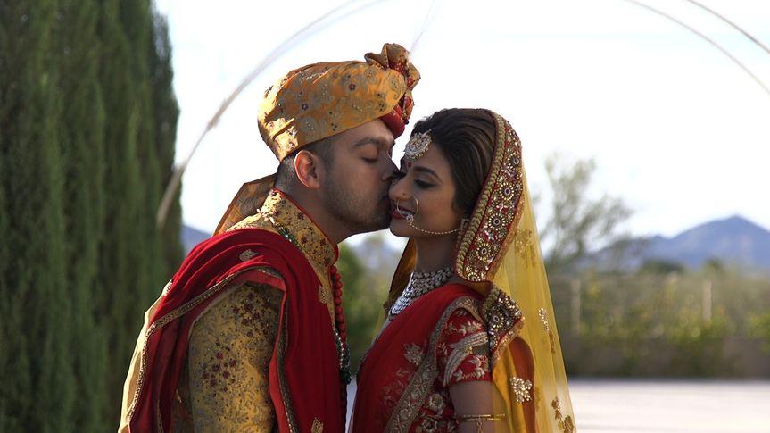 sarang nikki first look kiss