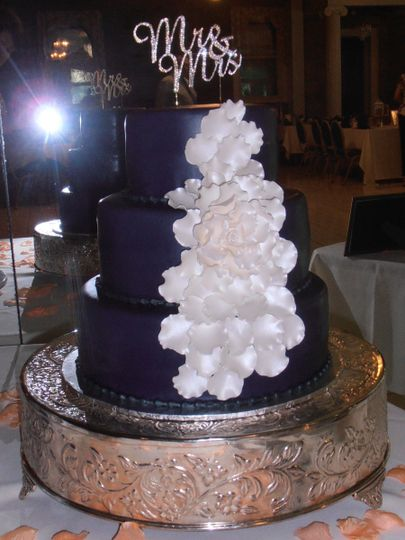 patty izard cakes wedding cake oxford ny weddingwire. Black Bedroom Furniture Sets. Home Design Ideas