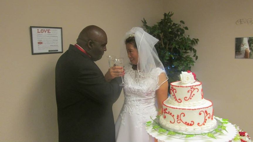 Diamond Package includes two-tier wedding cake (Waco Weddings and Events)