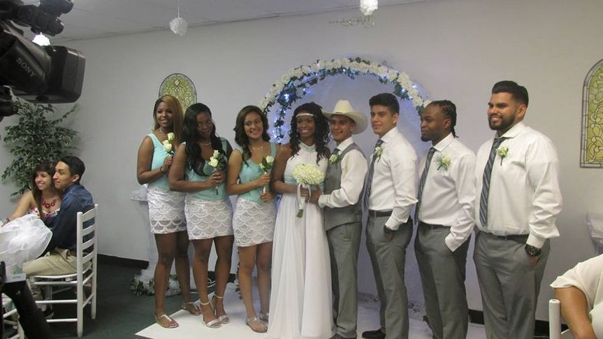All packages allow for wedding party (Waco Weddings and Events)