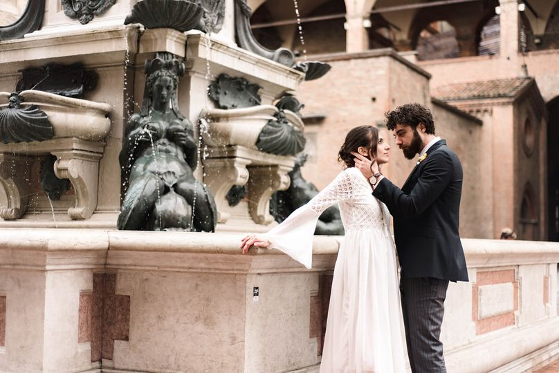 Spouses at the fountain