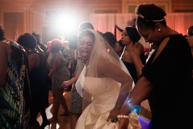 Bride and guests' dancing