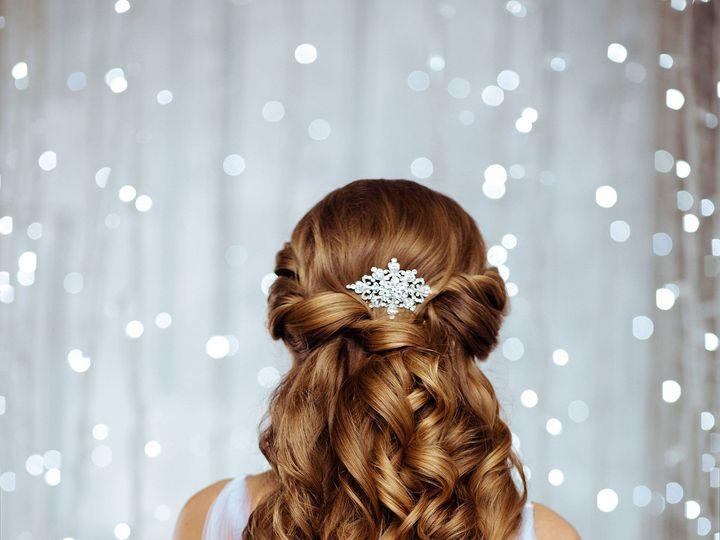 Tmx 1518129310 Aebdf87688675969 1518129307 Ef7b1a3c2ca39556 1518129279714 13 Shutterstock 2682 Farmington, CT wedding beauty