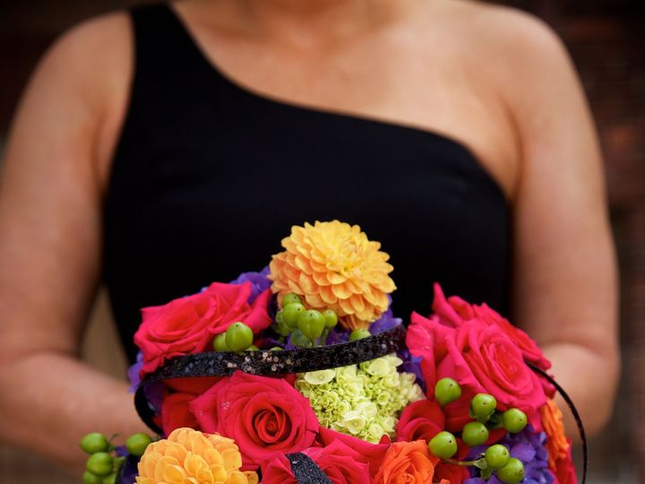 Tmx 1529414308 89cc8cc8dfc3a2d2 1529414305 Bf8a5dbe2cc21494 1529414291412 1 Highlights0026 Milwaukee, WI wedding florist