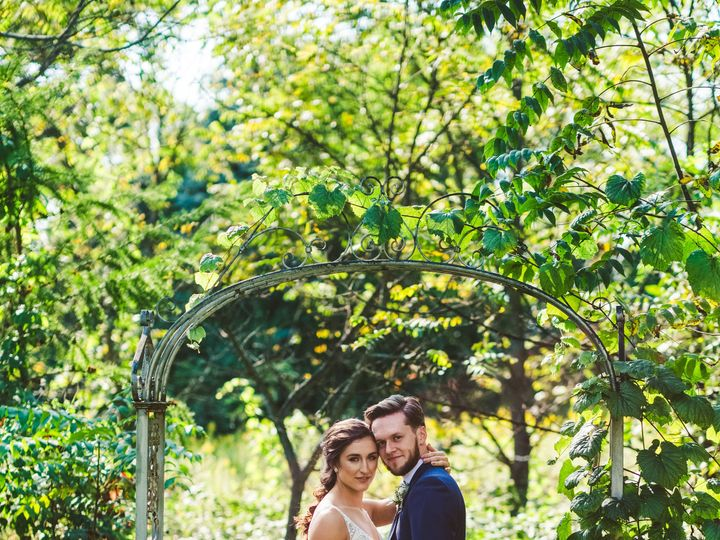 Tmx Dananick Wedding 212 51 192200 V1 Milwaukee, WI wedding florist