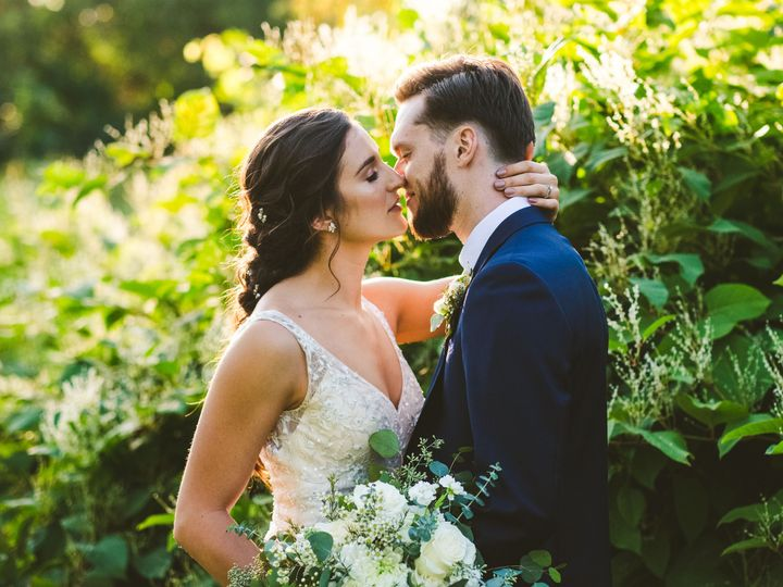 Tmx Dananick Wedding 345 51 192200 V1 Milwaukee, WI wedding florist
