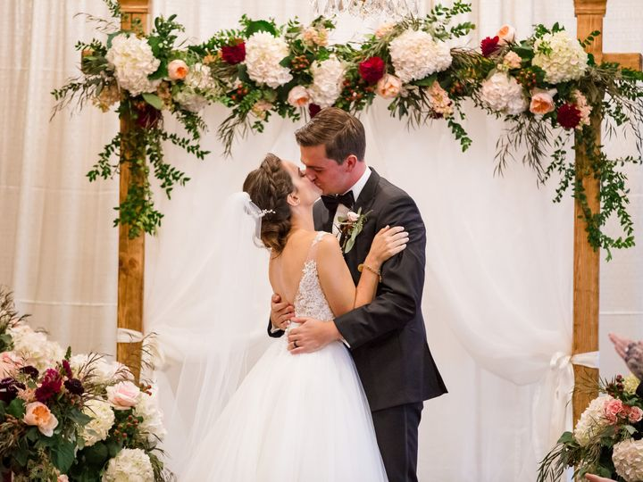Tmx Frphoto 180908l W 576 51 192200 V1 Milwaukee, WI wedding florist