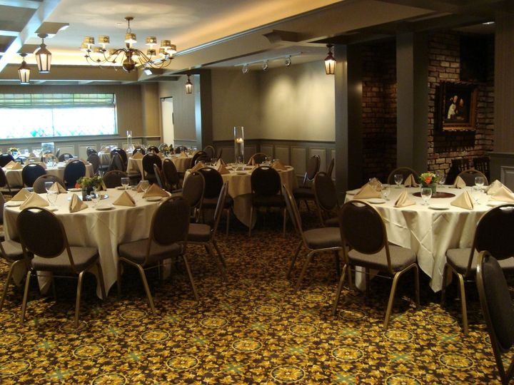 The village offers an elegant and comfortable space for a groom's dinner or gift opening brunch.
