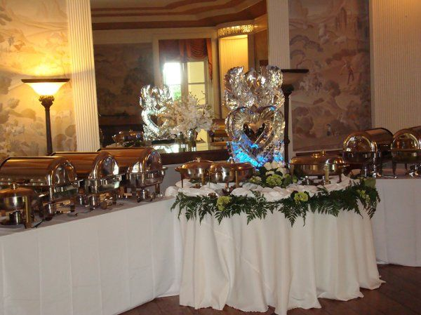 BuffetwithIcesculpture