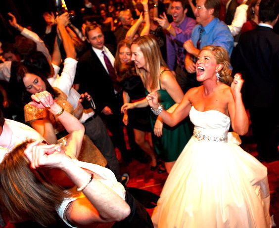 Tmx Packed Dance Floor 58 51 2300 160398855965619 Evanston, IL wedding band