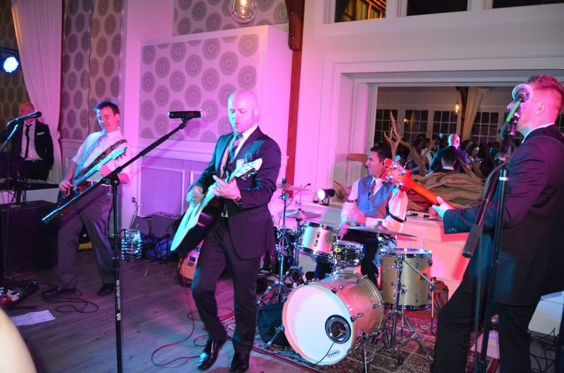 The wedding music band