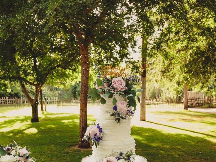Tmx 1517335978 Beef01e1f37e17d7 1517335977 C54ff1482a2e0fc5 1517335979696 2 WEDDINGWIRE2 Fresno wedding cake