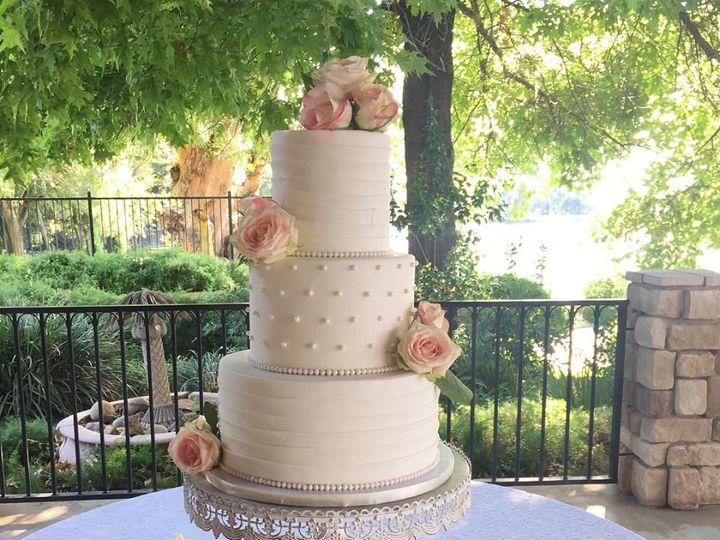 Tmx 1517335979 3fba28c2ea92d69c 1517335977 13fba1a2e6e02a74 1517335979699 5 WEDDINHWIRE4 Fresno wedding cake