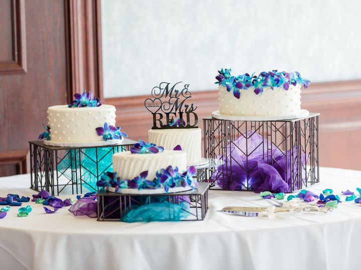 Tmx Weddingcake23 51 606300 Virginia Beach wedding cake