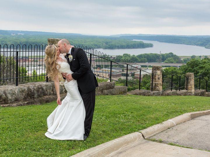 Tmx Ht5a1000 51 916300 1571165580 North Liberty, IA wedding planner