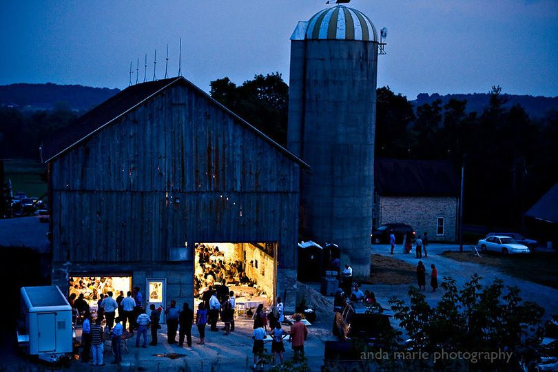 a7b6c92bb279453e WilloWay barn at night