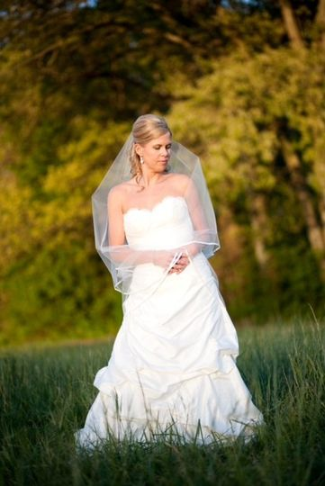Bridal portrait in the field