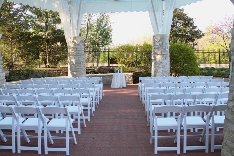 Missouri butterfly house wedding