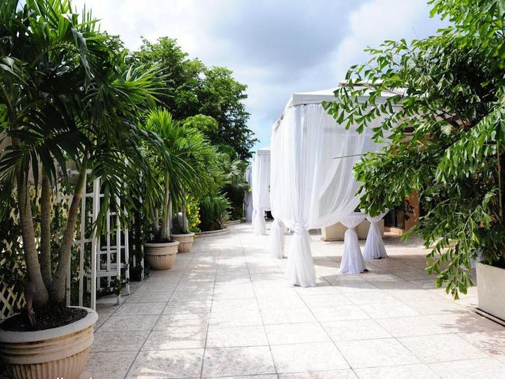 Tmx 1515695290 12829cd7b180a2be 1515695288 Ffe6f04de1cac62c 1515695287099 67 Grand Salon Recep Miami, FL wedding venue
