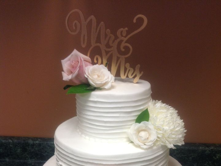 Tmx 39802224683 E6b63bac9e O 51 30500 Buffalo, New York wedding cake