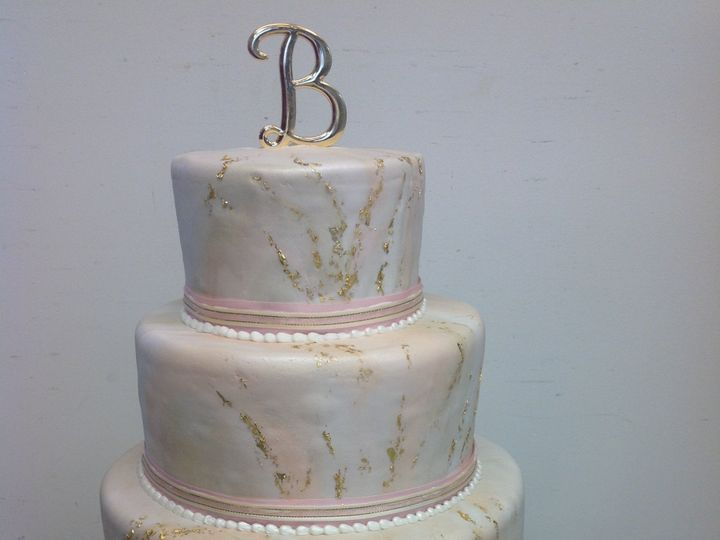 Tmx 39802231673 10198f4566 O 51 30500 Buffalo, New York wedding cake