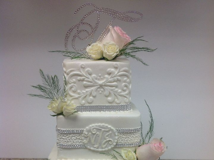 Tmx 46714718392 14481b819b O 51 30500 Buffalo, New York wedding cake