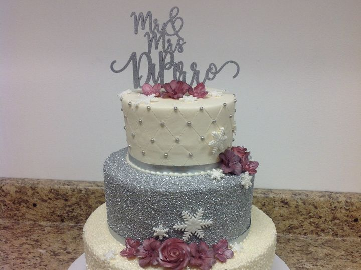 Tmx 46775796622 F05d22a8c8 O 51 30500 Buffalo, New York wedding cake