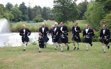 Another really great wedding! The groom was from Scotland and I had so much fun keeping them dancing...