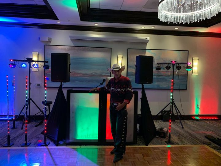 Tmx Img 0843 51 906500 159291926223196 Cape Coral, Florida wedding dj