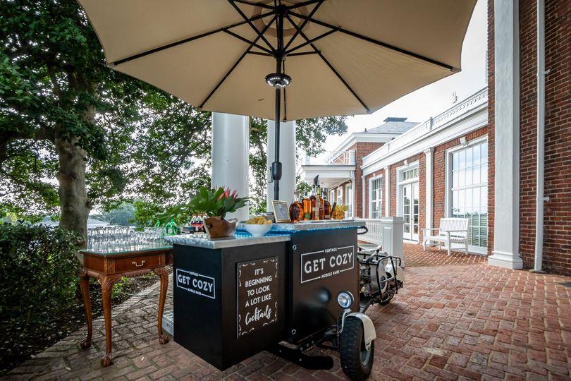 Get Cozy Vintage Cocktail Bar