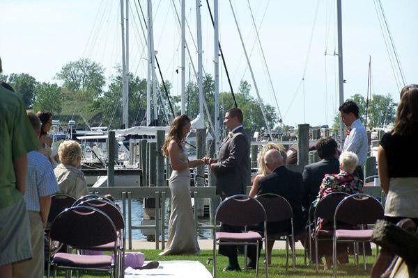 Outside wedding between Piper and Eldean Shipyard
