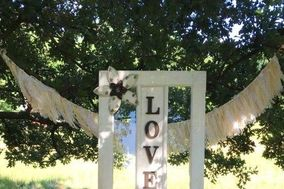 Hitt and Miss Vintage Wedding Rental