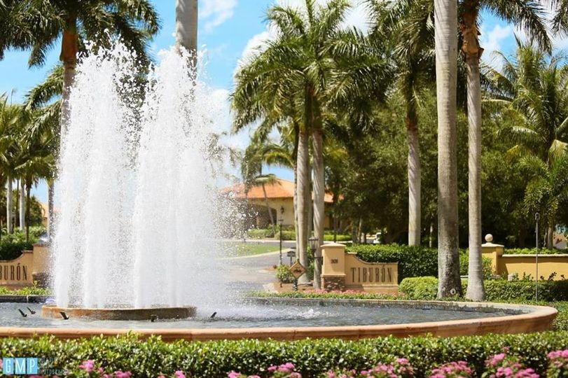 Tiburón Golf Club fountain