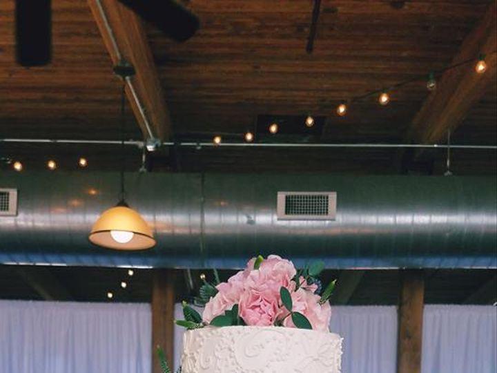 Tmx 55482054 2215474201808210 3535349346985836544 N 51 551700 Newville, PA wedding cake